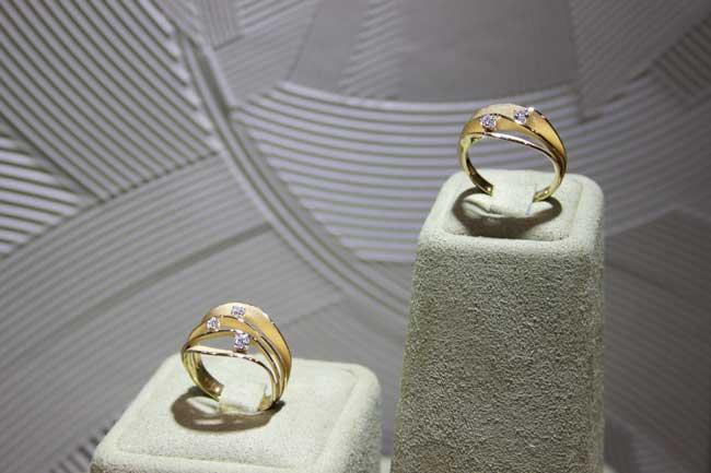 в сети ювелирных магазинов Reeds Jewelers